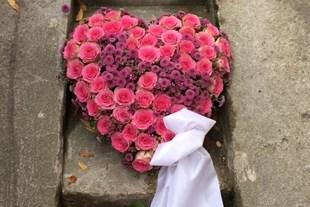 Begravnings hjärta fyllt
