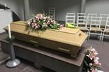 Kistdekoration till begravning