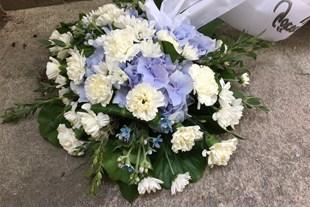 Sorgdekoration till begravning